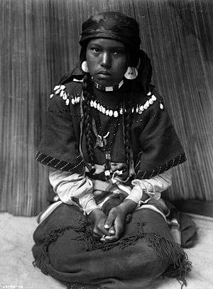 Pend d'Oreilles - Image: Kalispel girl by Edward S. Curtis, ca. 1910