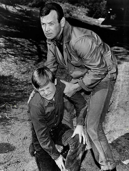 File:Kurt Russell David Janssen The Fugitive.JPG