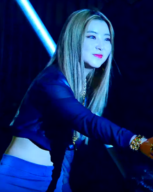 Kwon So-hyun performing Heart to Heart in May 2015 01.png