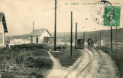 L2751 - Lagny-sur-Marne - Le charroi de l'albatre.jpg