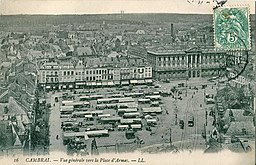 Vue générale vers la Place d\'Armes, Scanné par Claude_Villetaneuse [Public domain], via Wikimedia Commons