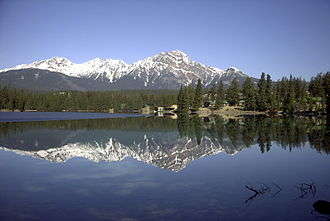 Lac Beauvert - With the Jasper Park Lodge on the north shore