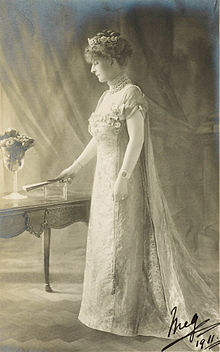 Lady Margaret Evelyn Cambridge.jpg