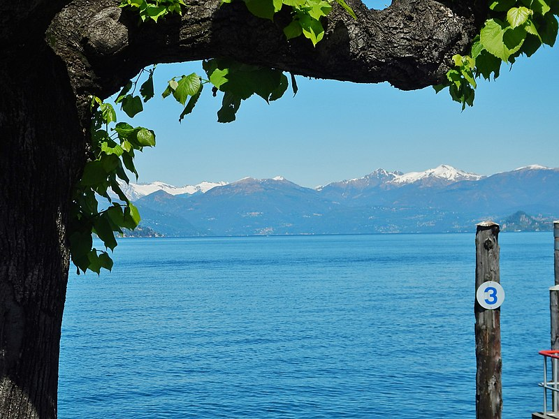 File:Lago Maggiore - panoramio (8).jpg