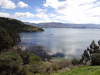 Lake Tota - Image: Lago de Tota 04