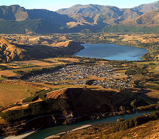 Lake Hayes Estate Suburb in Queenstown, New Zealand