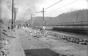 Macadam - Laying Telford paving in Aspinwall, Pennsylvania, 1908
