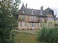 Le Manoir de Grandcamp-Maisy, côté mer.jpg