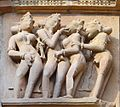 Le Temple Kandariya Mahadeva (Khajurâho) (8503876918).jpg