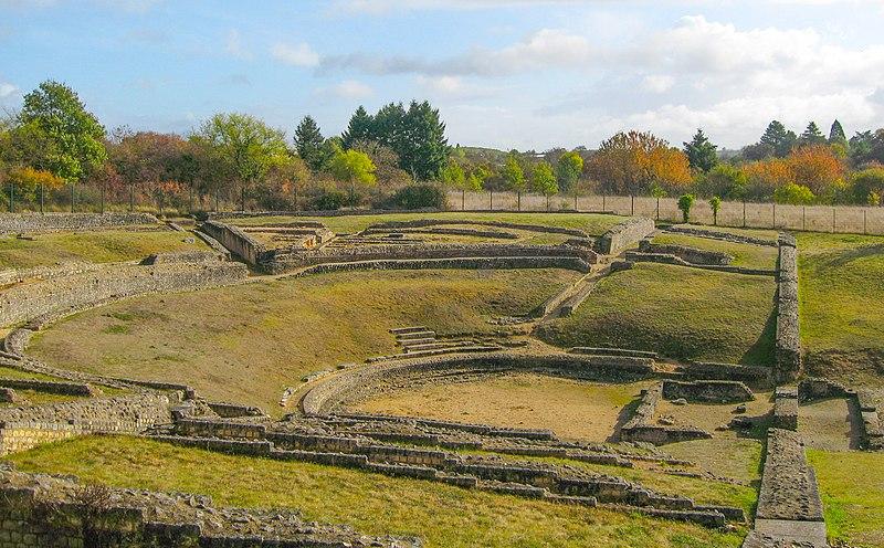 File:Le théâtre romain Saint-Marcel (Indre).JPG
