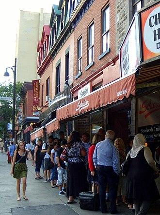 Schwartz's - People lined up out the door