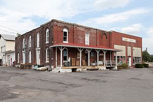 Lloyd and Henry Warehouse - The warehouse in September, 2014