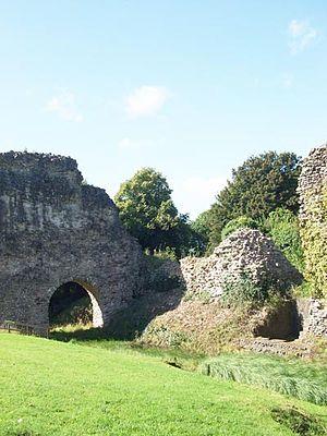 Lochmaben - Lochmaben Castle ruins