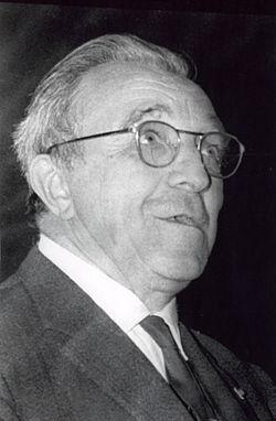 Louis Neel 1970.jpg