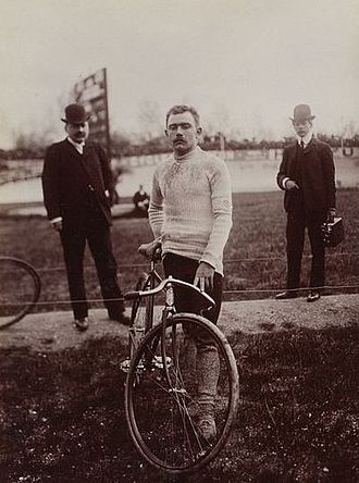 Louis Trousselier - Trousselier in 1903 at Bordeaux–Paris. Trousselier finished that race in second place, but would later be disqualified.