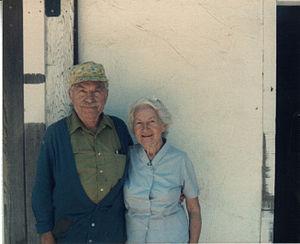 Lucienne Bloch - Lucienne Bloch and Stephen Pope Dimitroff - 1985 Gualala. (photo: Alexander Kaloian)