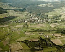 Luftbildarchiv Erich Merkler - Adelmannsfelden - 1984 - N 1-96 T 1 Nr. 577 (cropped).jpg