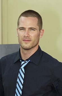 Description de l'image  Luke MacFarlane 1.JPG.