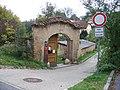 Lysolajské údolí 49, brána.jpg