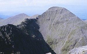 Beenkeragh - Image: Macgillycuddy's Reeks, Binn Chaorach (Beenkeragh) geograph.org.uk 1434441