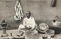 Madagascar-Fabricant de sobika (corbeilles).jpg