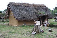 Maison du forgeron St Martin de Trainecourt - reconstituée à Ornavik - Hérouville Saint Clair.jpg