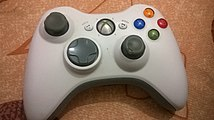Manette Xbox blanche sans fil photo 1.jpg