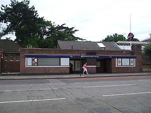 Manor House tube station - Main northwest entrance