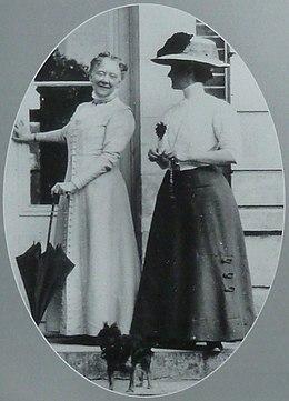 Mary Cassatt 1910.jpg