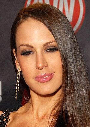 McKenzie Lee, 2010 (cropped).jpg