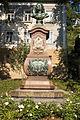 Meissen Denkmal für Johann Friedrich Boettger.jpg