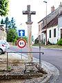 Menou-FR-58-croix de chemin-01.jpg