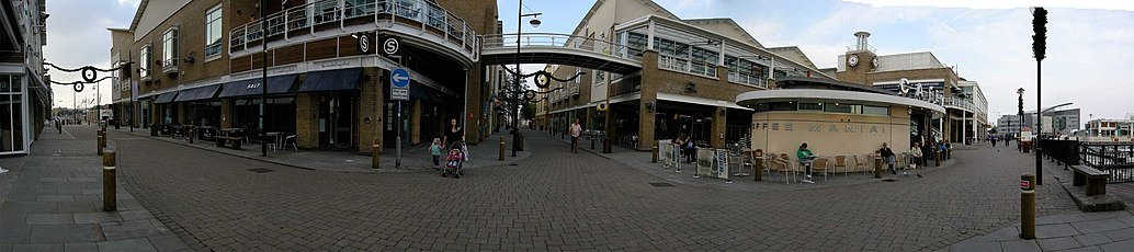 The pedestrianised shopping streets of Mermaid Quay