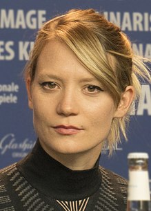 Mia Wasikowska at the 2018 Berlin Film Festival.jpg
