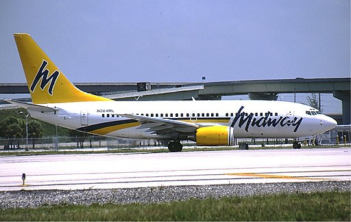 Midway Airlines Boeing 737-700 KvW