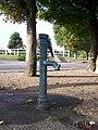 Millemont Pompe à eau ancienne.JPG