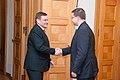 Ministru prezidents Valdis Dombrovskis tiekas ar Lietuvas parlamenta priekšsēdētāju Vīdu Ģedvilu (8267071388).jpg