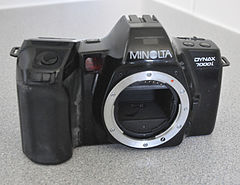 Minolta Dynax 7000i Analogue Film Camera, With Sigma 28-70mm Lens (8744225604).jpg