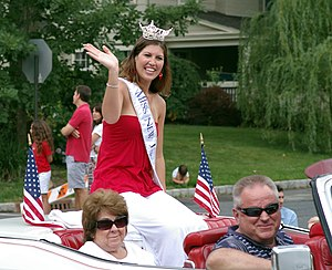 Miss New Jersey - Image: Miss NJ 2008 July 4parade