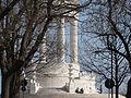 Monumento ai caduti in una giornata di fine inverno.JPG