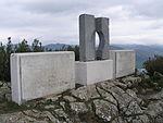 Monumento homenaje a los fugados del fuerte..JPG
