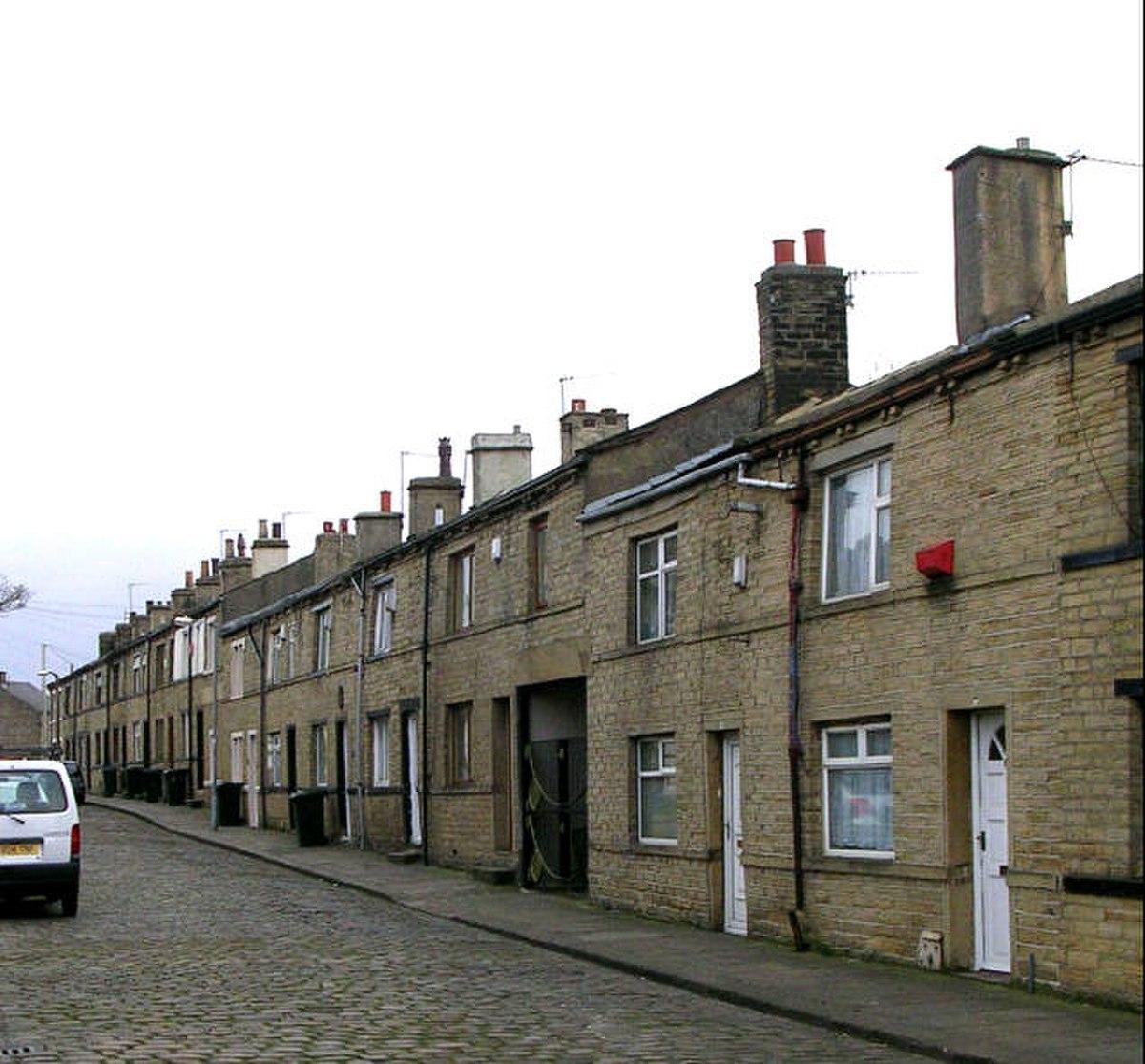 Mortimer Row, Laisterdyke - geograph.org.uk - 360153.jpg