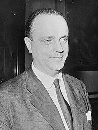Mr. Manuel Fraga Iribarne (Spaanse minister), Bestanddeelnr 914-8477 (cropped).jpg