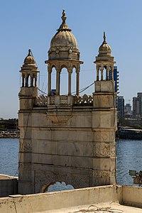 Mumbai 03-2016 14 Haji Ali Dargah.jpg