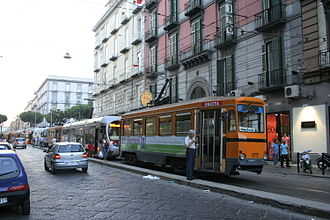 Trams in Naples - A line of trams in Corso Garibaldi. At the head of the line is ''Peter Witt''-type tram no. 975.