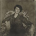 Nina Kandinsky 1927, by Hugo Erfurth.jpg