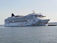Norwegian Star arriving Tallinn 12 July 2013