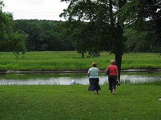 Old Lyme, Connecticut - Barefoot tourists