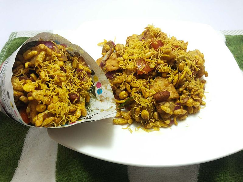 File:Olive-bhel-puri-served-in-traditional-newspaper-cone.jpg