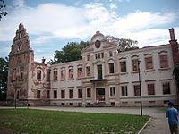 Pałac Hatzfeldów, ruina po rewitalizacji w Żmigrodzie -10.jpg